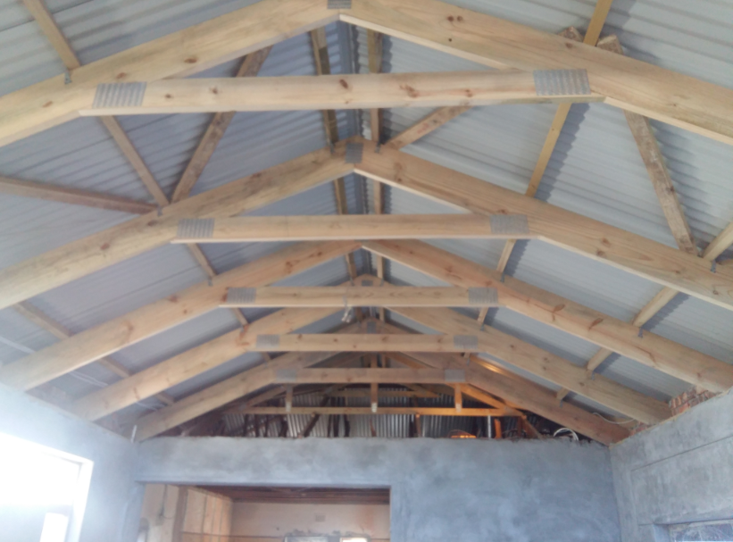 Hrs roofco pics 2017 for Exposed trusses cost